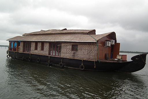 Houseboat transport