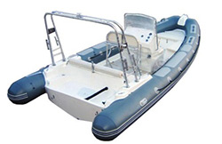 Inflatable boat with seat